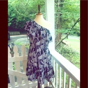 Crown & Ivy Navy Giraffe One Shoulder Dress M